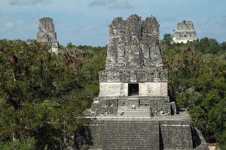 Templo de las Mascaras en Tikal